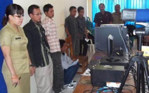 Perekaman E-KTP di Dinas Kependudukan Catatan Sipil Bolmong