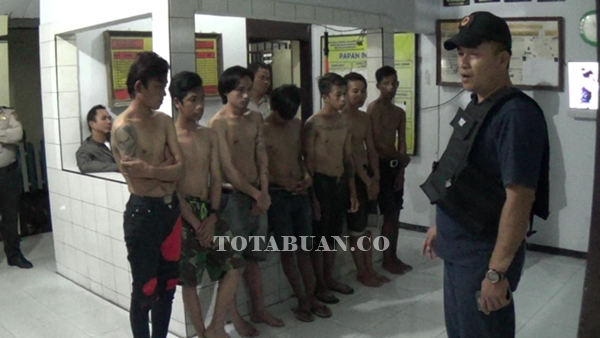 Tujuh Remaja Digiring ke Polsek Saat Mabuk Lem Eha Bond