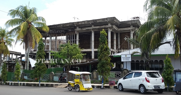 Proyek Pembangunan Masjid Raya Menggantung
