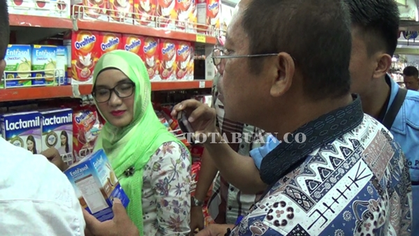 Awas…Susu Kadaluarsa Masih Dijual Bebas di Kotamobagu