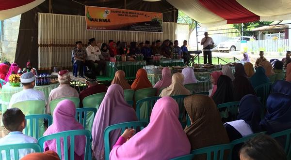 Pelaksanaan Halal bi Halal Desa Bilalang Satu yang  dihadiri Wakil Walikota Jainudin Damopolii