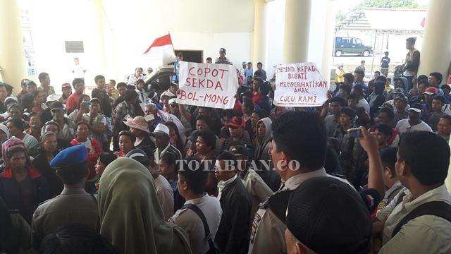 Warga Tiberias Kembali Demo Minta Izin PT Melisa Sejahtera Dicabut