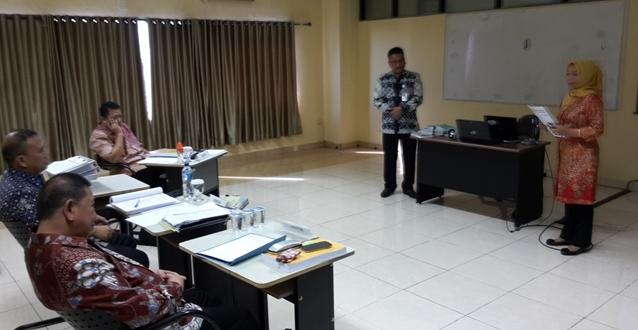 Bupati Bolaang Mongondow Nixon Watung, Sekretaris Daerah Ashari Sugeha dan Penguji Diklat PIM II Saat Melaksanakan Ujian Proyek perubahan di STIA LAN Makassar
