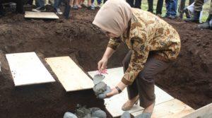 Wali Kota secara simbolis meletakan batu pertama proyek Tower RSUD