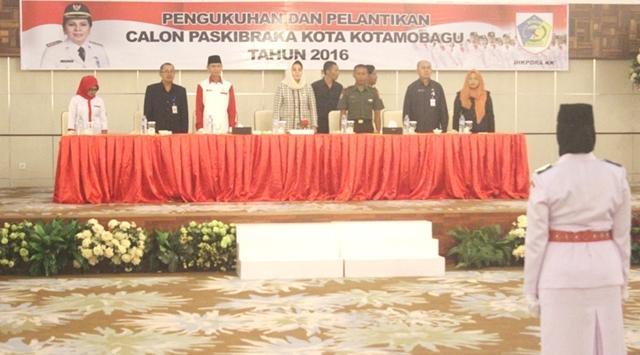 Walikota Kukuhkan 36 Anggota Paskibra
