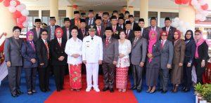 foto Bupati bersama jajaran Pimpinan SKPD di dampingi Ketua TIM penggerak PPK Ny. Lineleyan Watung