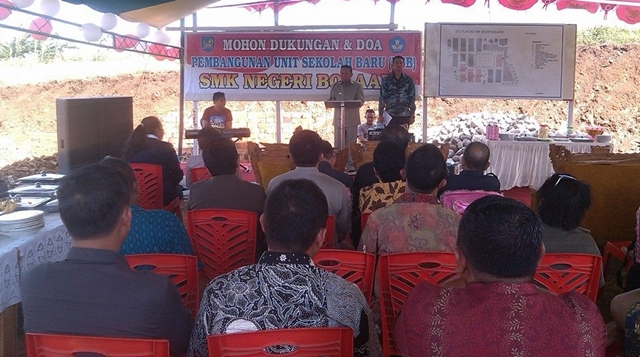 Bupati Hadiri Peletakan Batu Pertama Pembangunan SMK Bolaang