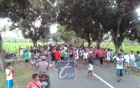 Aksi blokir jalan yang dilakukan warga Tiberias