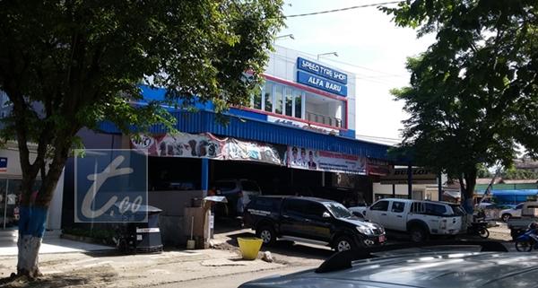 Toko Alfa Baru yang berada di Jalan Adampe Dolot Kelurahan Mogolaing Kotamobagu