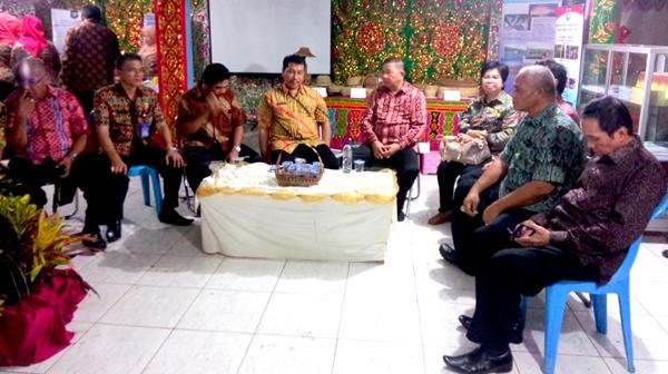 Bupati Hadiri Pameran Dalam Rangka HUT Provinsi Sulut