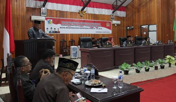 Suasana sidang paripurna di kantor DPRD Kotamobagu