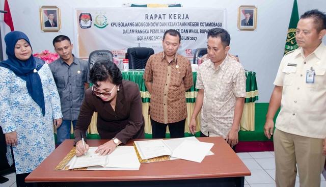 KPU Bolmong Bentuk Pendampingan Hukum Bersama Kejari Kotamobagu