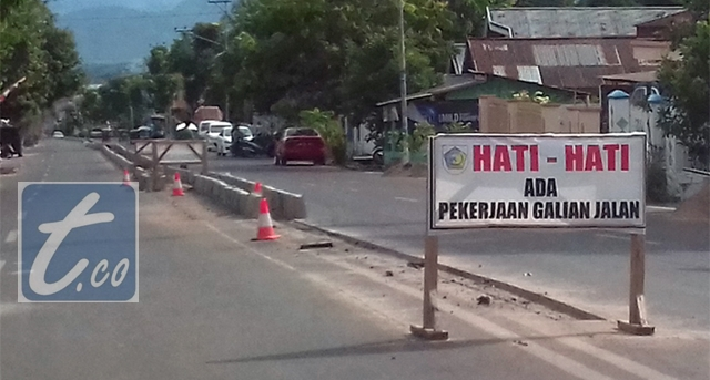 Media jalan yang sementara dibangun
