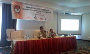 Pimpinan BPKP Perwakilan Sulut, Haryadi Sitorus, sedang memberikan materi kepada lembaga adhoc