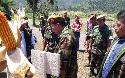 Suasana panen raya jagung yang dilakukan Yon Armed 19/105 Tarik Bogani Bolmong.