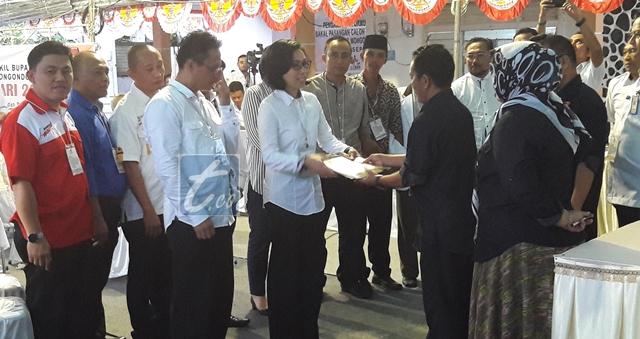 Berkas Milik Pasangan Yasti-Yanny Diterima KPU Bolmong