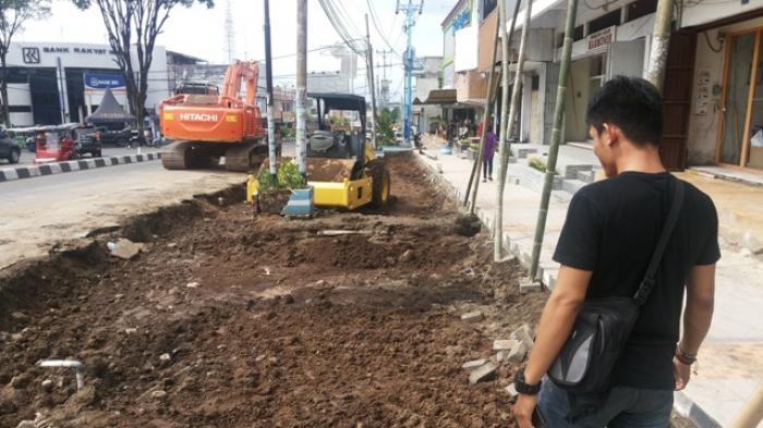 2017 Jalan Mogolaing-Mongkonai Mulai Diperlebar