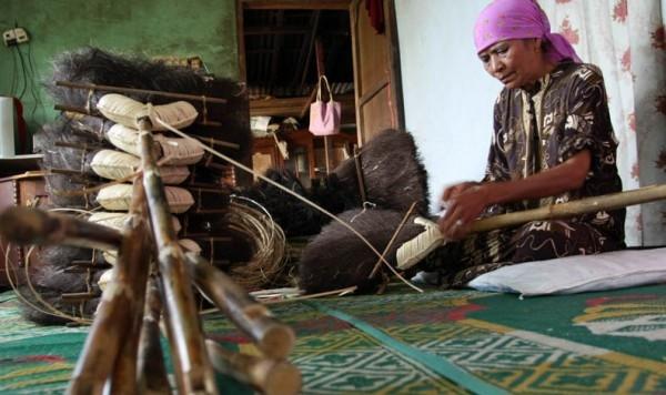 Pemkot Siapkan Desa Sia Jadi Sentra Pengembangan Sapu Ijuk