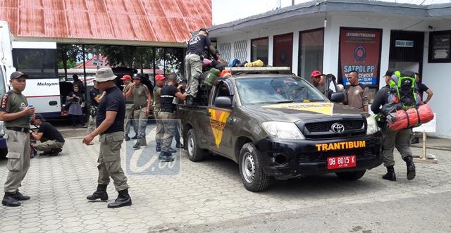 60 Anggota Pol PP Kotamobagu Latihan Fisik di Gunung Soputan