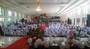 Ratusan santri   dalam perayaan Khatam Quran perayaan Tahun Baru Hijriyah