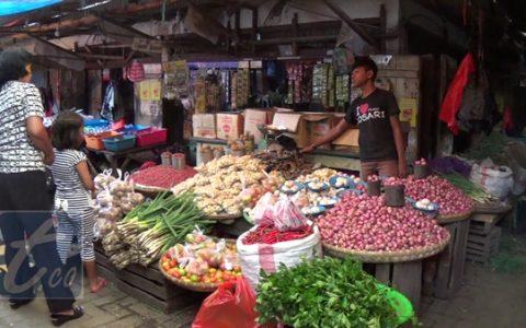 Wali Kota mencontohkan, tahun investasi dibidang pertanian, Kotamobagu harus surplus beras, begitu juga dengan ikan harus surplus untuk disuplai ke rumah makan dan restaurant serta hasil pertanian lainnya.