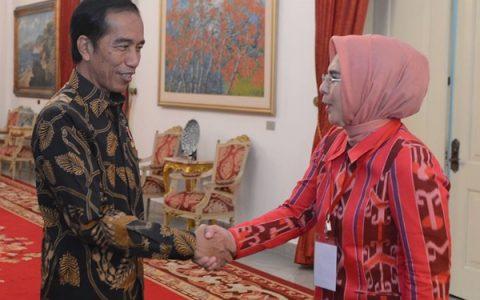 Walikota Tatong Bara Terima Dua Penghargaan dari Presiden dan Menteri LHK