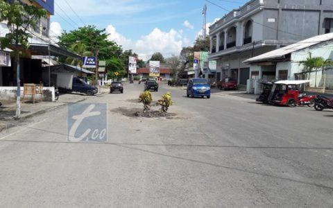 Jalan Berlubang Mulai Hiasi Ruas Jalan Kotamobagu