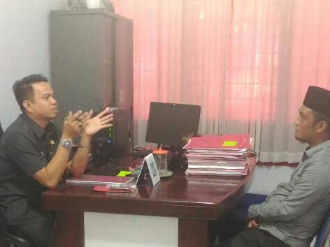 Mantan Ketua DPRD Bolsel Diserahkan ke Kejaksaaan