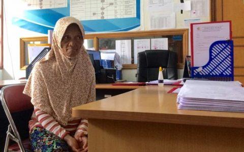 Ratin Dondo (62) warga di Kelurahan Upai, Kecamatan Kotamobagu Utara