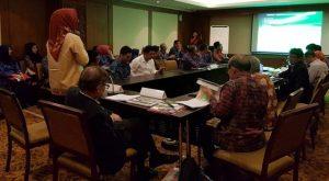 Walikota Tatong Bara Presentasikan Program Lingkungan Hidup