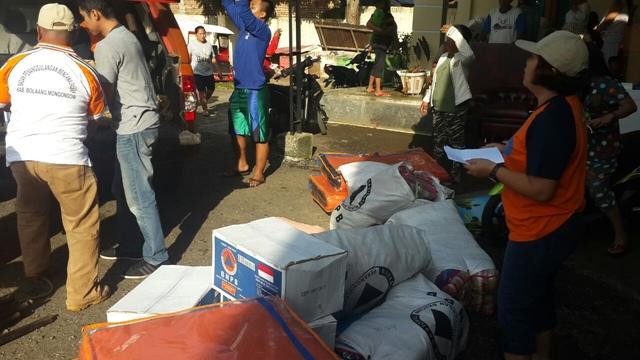 Dinsos dan BPBD Kotamobagu Salurkan Bantuan Korban Gogagoman