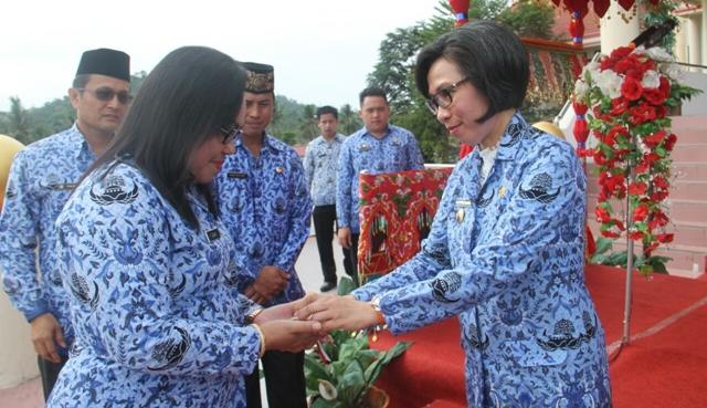 Pemkab Bolmong Terima Dua Unit Ambulance