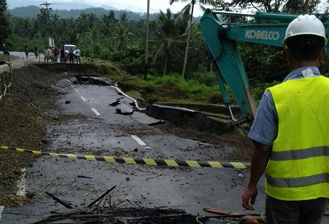 Jalan Ambles Antara Bolmong-Bolsel Mulai Diperbaiki