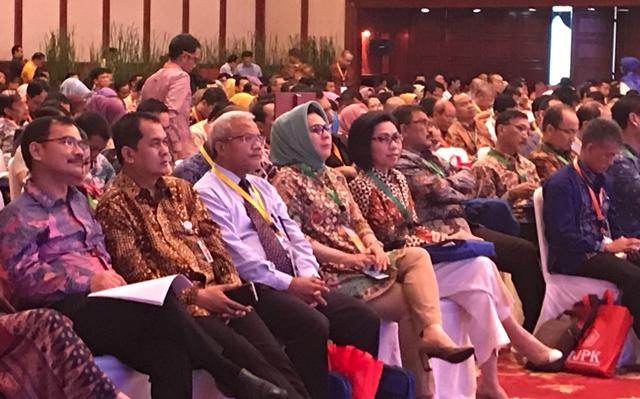 Bupati Bolmong Hadiri Seminar Nasional Peringatan Hari Oeang Ke-71