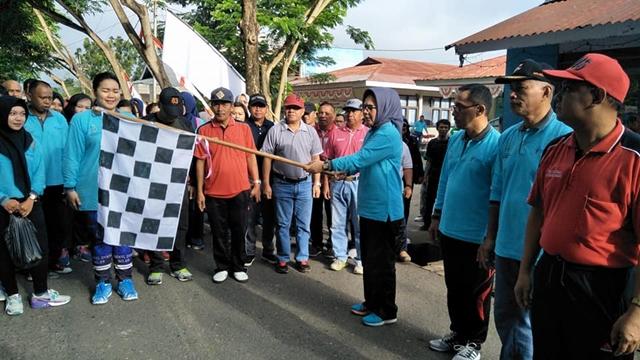 Peringati HKN ke 53, Walikota Kotamobagu Lepas Peserta Jalan Sehat