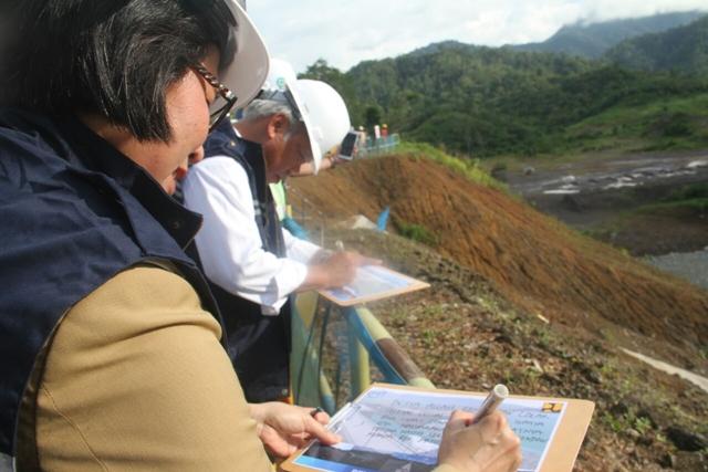 Bupati Bolmong Dampingi Menteri PU dan PUR Tinjau Pembangunan Bendungan di Lolak