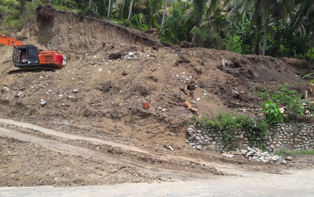 Galian C Ilegal di Desa Togid Bebas Mengeruk Material