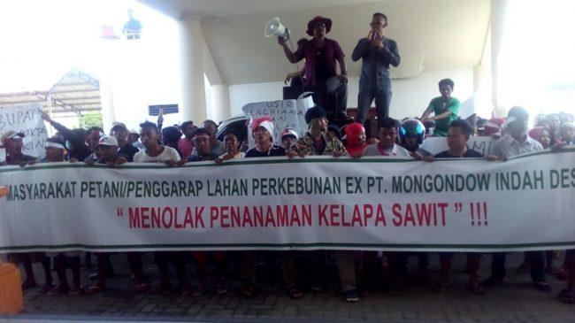 Warga dari Empat Desa di Kecamatan Lolak Demo Aktivitas Kelapa Sawit