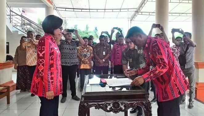 Puluhan Pejabat Bolmong Tanda Tangan Kontrak Kerja