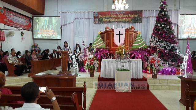 Walikota Kotamobagu Sambangi Warga Gereja Sebelum Ibadah Natal