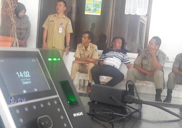 Pemkab Bolmong Mulai Berlakukan Finger Print Untuk PNS