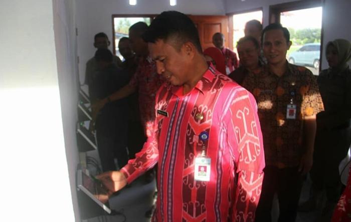 Pemkab Bolmong Berlakukan Figer Print dan Face Detector