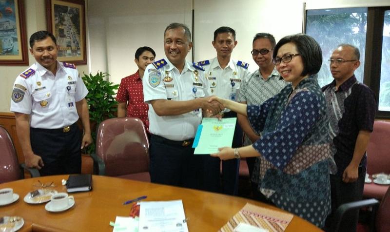 Bupati Bolmong Serahkan Sertifikat Lahan Pembangunan Terminal Tipe A