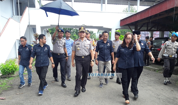 Kapolda Sulut Pantau Kesiapan Pengamanan di KPU Kotamobagu