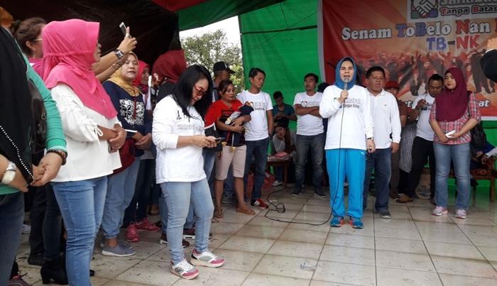 Pasangan TB-NK Disambut Masa Pendukung Saat Kampanye di Lima Lokasi
