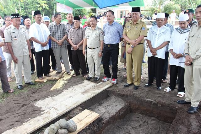 Pjs Walikota Kotamobagu Letakan Batu Pertama Pembangunan Masjid Al-Uswah Kelurahan Motoboi Kecil