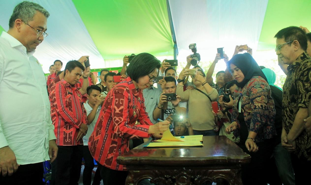 Bupati Bolmong Tandatangani Perjanjian Kerjasama Bumdes dengan Dua Perusahan