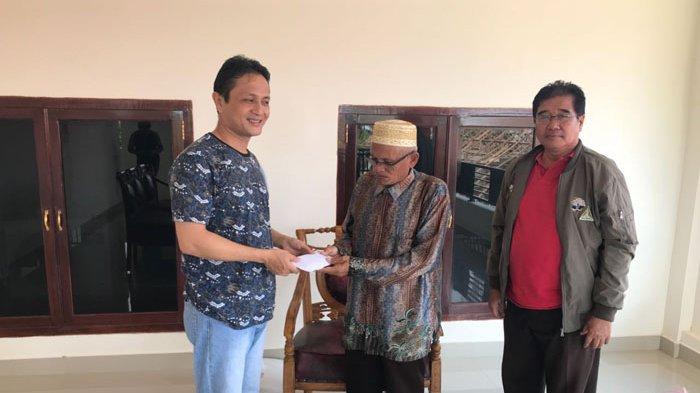Rela Keluarkan Dana Pribadi Wabup Bolmong Berangkatkan Dua Iman Naik Haji