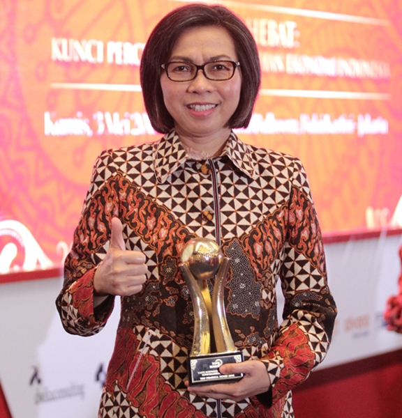 Bupati Bolmong Raih Penghargaan Top BUMD 2018