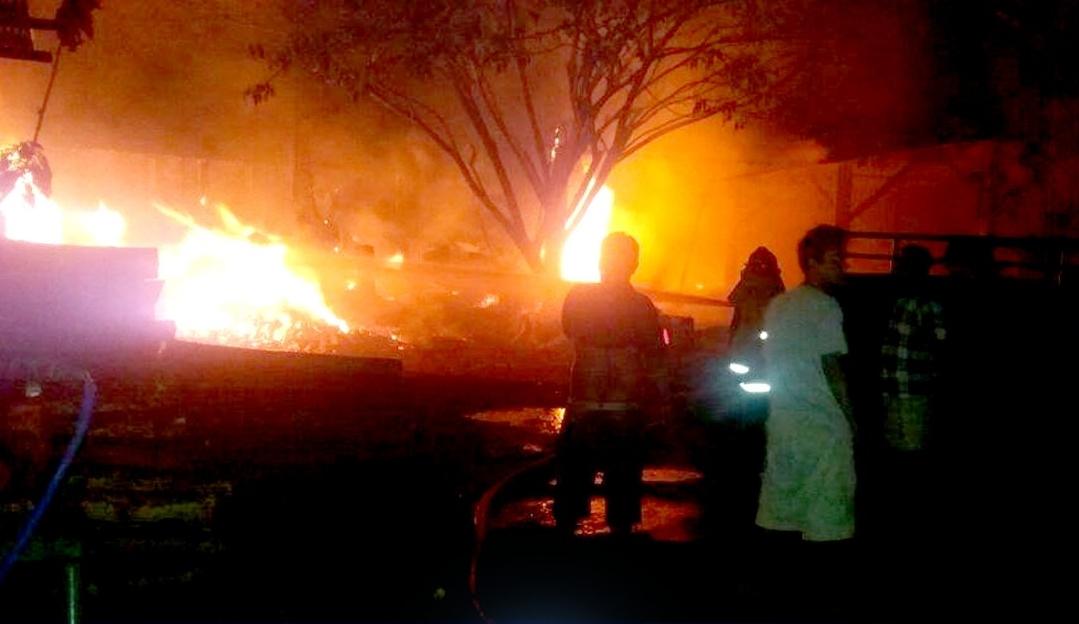 Gudang Milik PLN Cabang Kotamobagu Terbakar